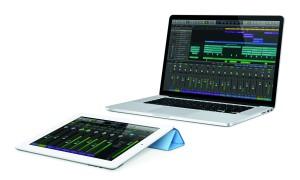 iPadRD-Wht_SmrtCover-Blue_15MBPRD_LogicRemote-Control_PRINT