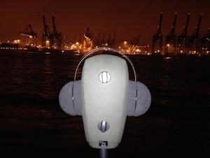Mit dem Neumann Kunstkopf KU 100 und Sound Devices 633 am Elbstrand